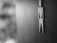 Empresa é condenada por premiar empregados que usavam menos o banheiro