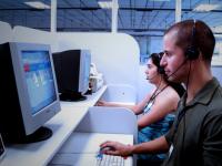 Operadora de telemarketing deve receber como extra o período trabalhado além da sexta hora diária