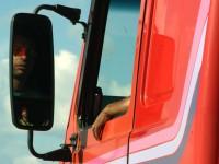 Motorista obrigado a dormir no caminhão vai receber indenização por dano moral