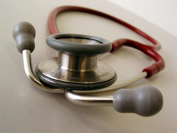 Ação busca garantir isenção tributária e previdenciária para aposentado com doença grave