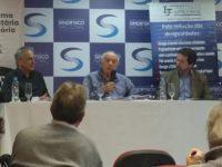 """""""Vamos ter que recorrer muito à Constituição"""", afirma Rogério Coelho em seminário sobre reformas"""